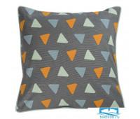 Чехол для подушки с дизайнерским принтом Triangles из коллекции